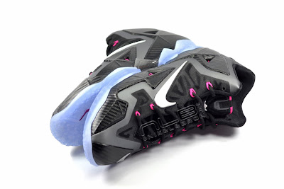 lebron11 miami nights 29 web white The Showcase: Nike LeBron XI Miami Nights Carbon
