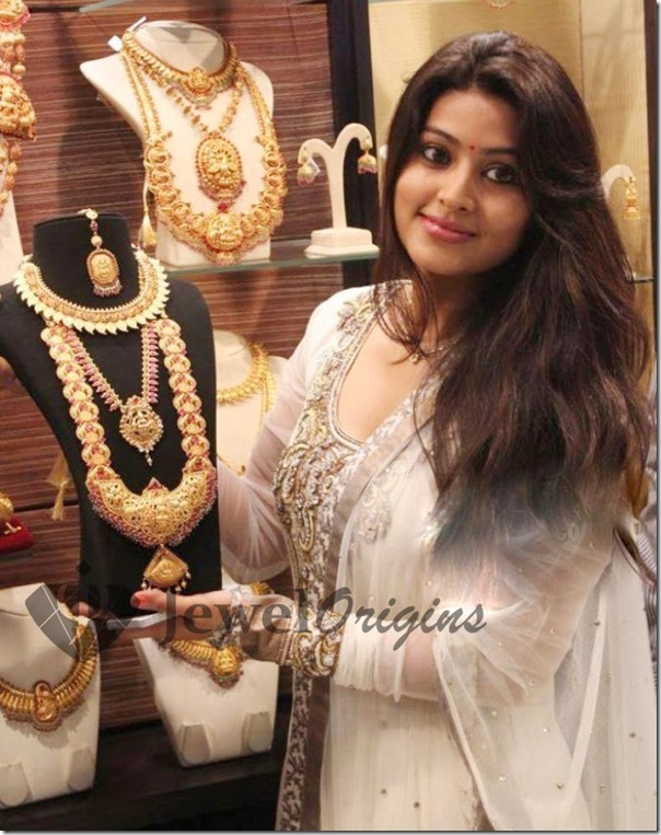 Sneha_Malabar_Gold_and_Diamonds (1)