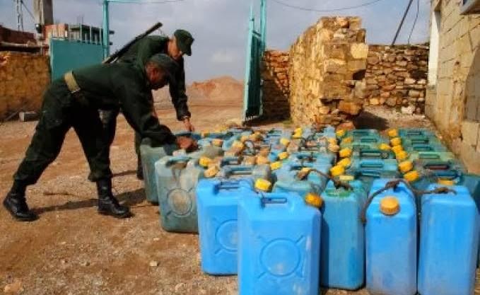 Introduit frauduleusement en Tunisie: Du carburant algérien vendu en bord de route dans des jerricans !