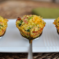 Cheesy Ham and Broccoli Quinoa Bites