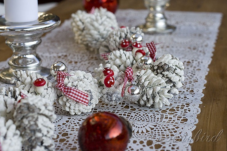 Songbird Pinecone Garland 1