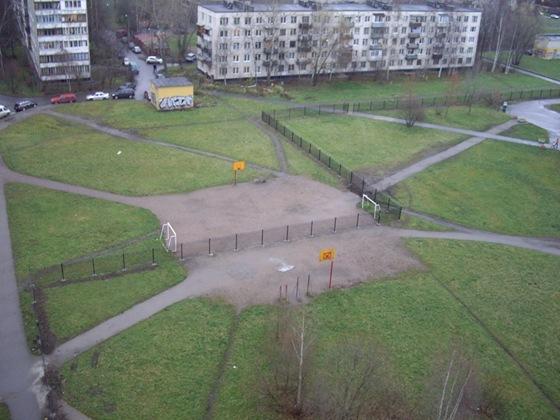 Школа перегородила баскетбольную площадку