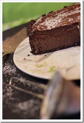 Przy Dużym Stole: Delikatny sernik czekoladowy