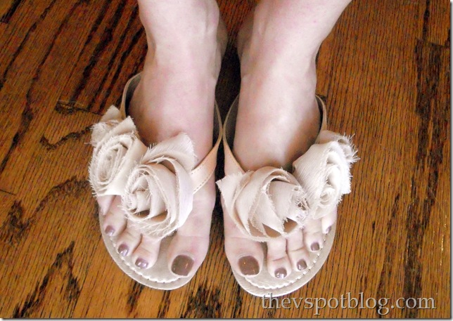 flip-flops, taupe, floral, rosette, cute