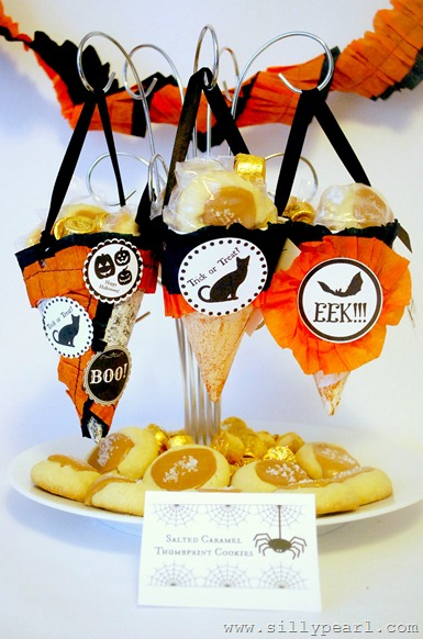 Repurposed Sno-Cones to Halloween Treat Bags by The Silly Pearl
