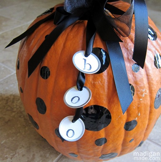 simple decorated pumpkin with dots - tutorial at madiganmade.com