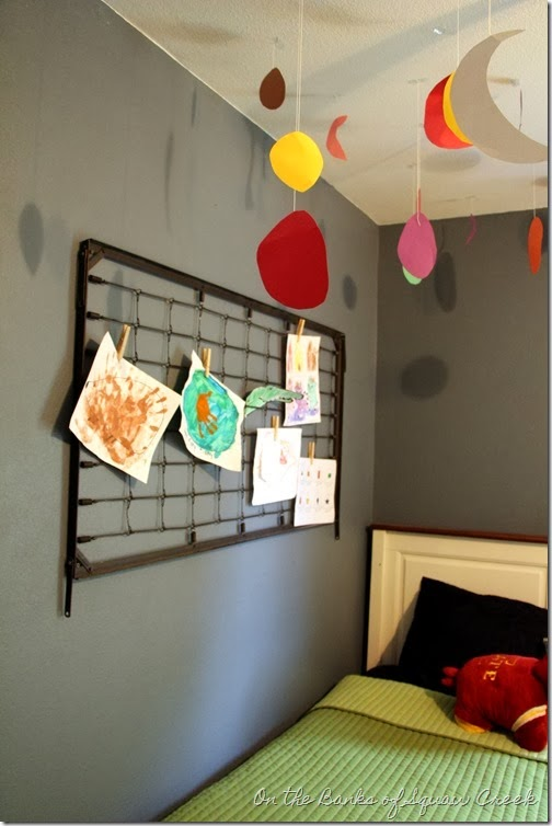 kids art display crib spring