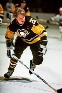 Penguins captain Randy Carlyle during the 1982-83 season. (Pittsburgh Penguins photo by Robert B. Shaver)  Original Filename: carlyle pens
