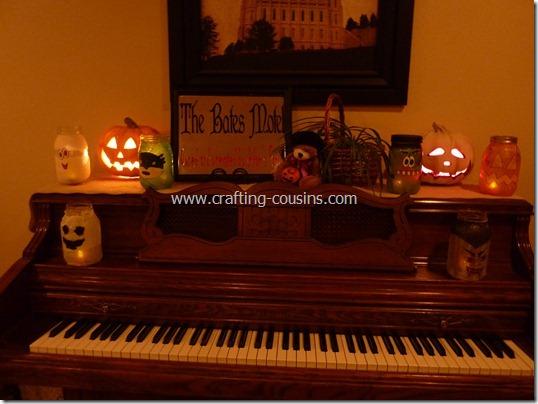 Halloween Luminaries from a Mason jar (10)