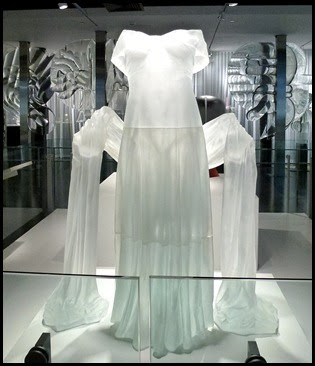 02c - Corning Glass Museum - Glass Sculpture