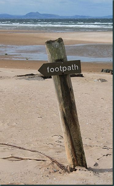 15-footpath-sign