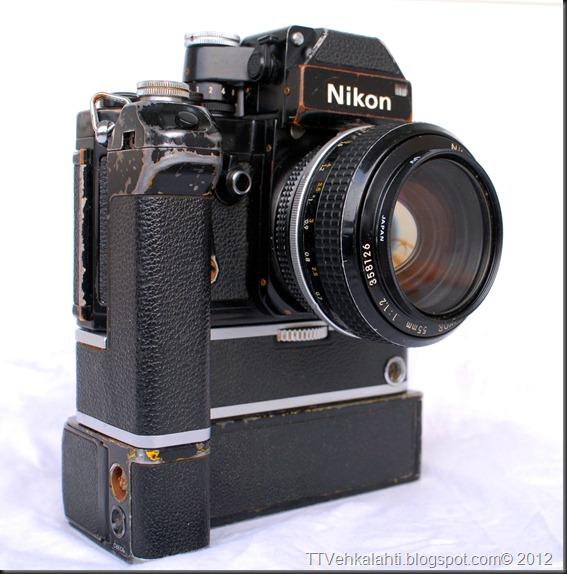 Nikon F2 sumukuvia 022