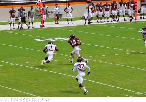 'Danny Coale running downfield' photo (c) 2010, Gary Cope - license: http://creativecommons.org/licenses/by-nd/2.0/
