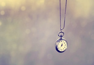 vintage_clock_by_yellowcandyfloss-d4vemni