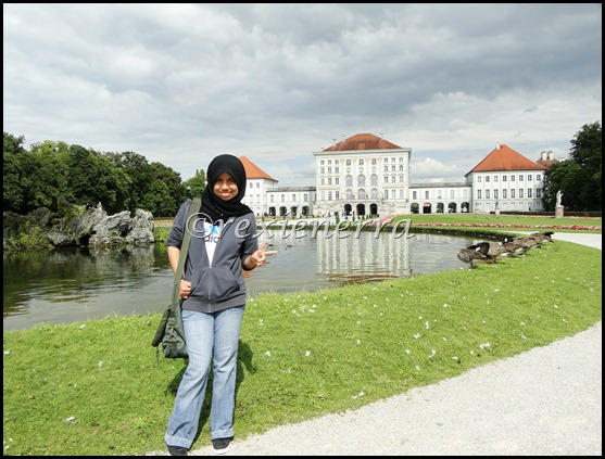 nymphenburg castle-behindview+me