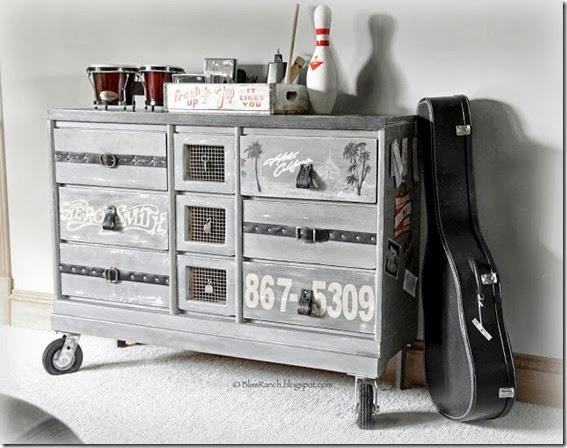 Rock & Roll Dresser_7762