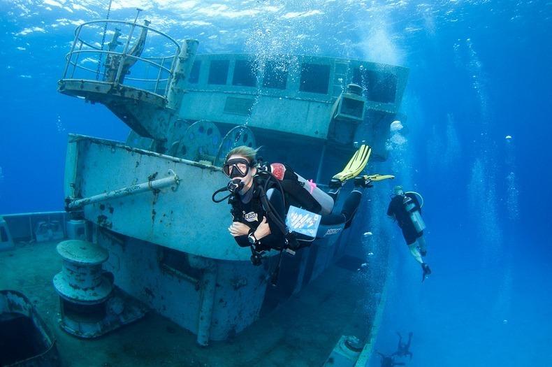 cayman-island-shipwreck-5