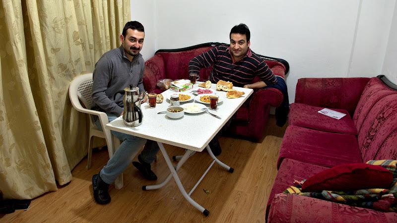 Masa de dimineata la Ali si Omur, gazdele din Samsun