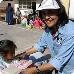 Luly Siqueiros ayuda beneficencia donaciones