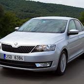 2013-Skoda-Rapid-Sedan-12.jpg