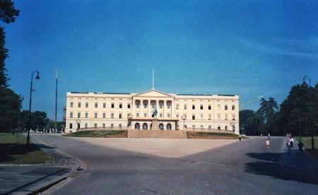 Obiective turistice Oslo: Palatul Regal Norvegian