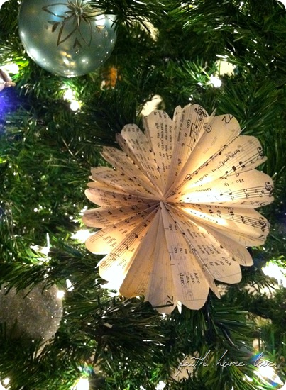 sheetmusic ornament