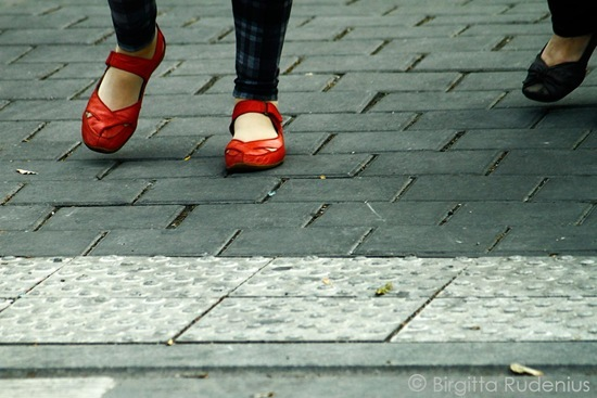 feet_20110920_red