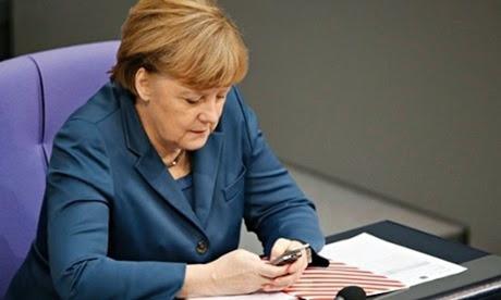 Spiegel: Η Μέρκελ ήταν στη λίστα ηγετών υπό παρακολούθηση από την NSA