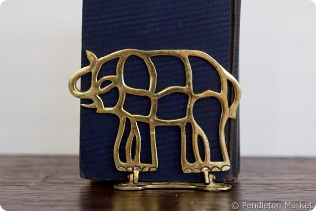 brass_colapsable_elaphant_bookends