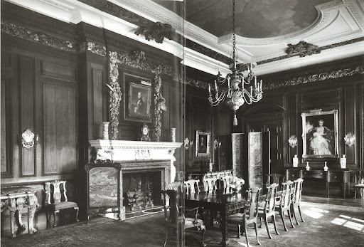 I love that the dining room, which was originally in the family's Fifth Avenue townhouse, was installed in a new wing of Westbury in 1927 following the New York space being demolished.