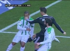 agresion-cristiano-ronaldo-cordoba-1