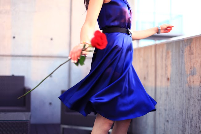bluedress5.jpg