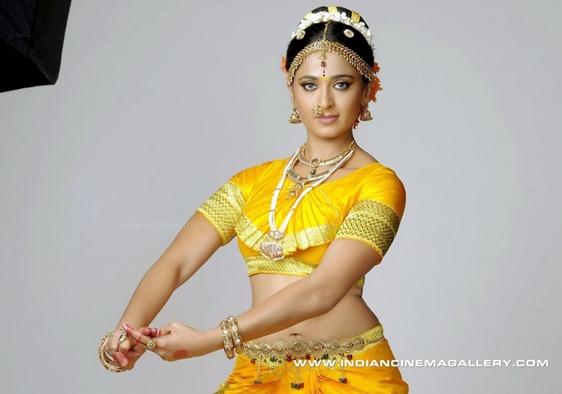 Anushka in chandramukhi _2_