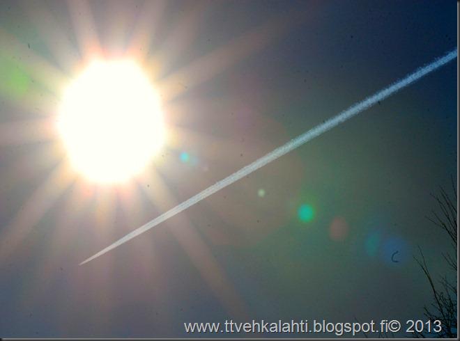 varpunen lentokone valokuvaaja timanteja hangella 027