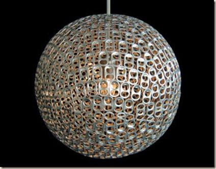 luminaria-feita-com-aneis-de-latinhas-de-aluminio