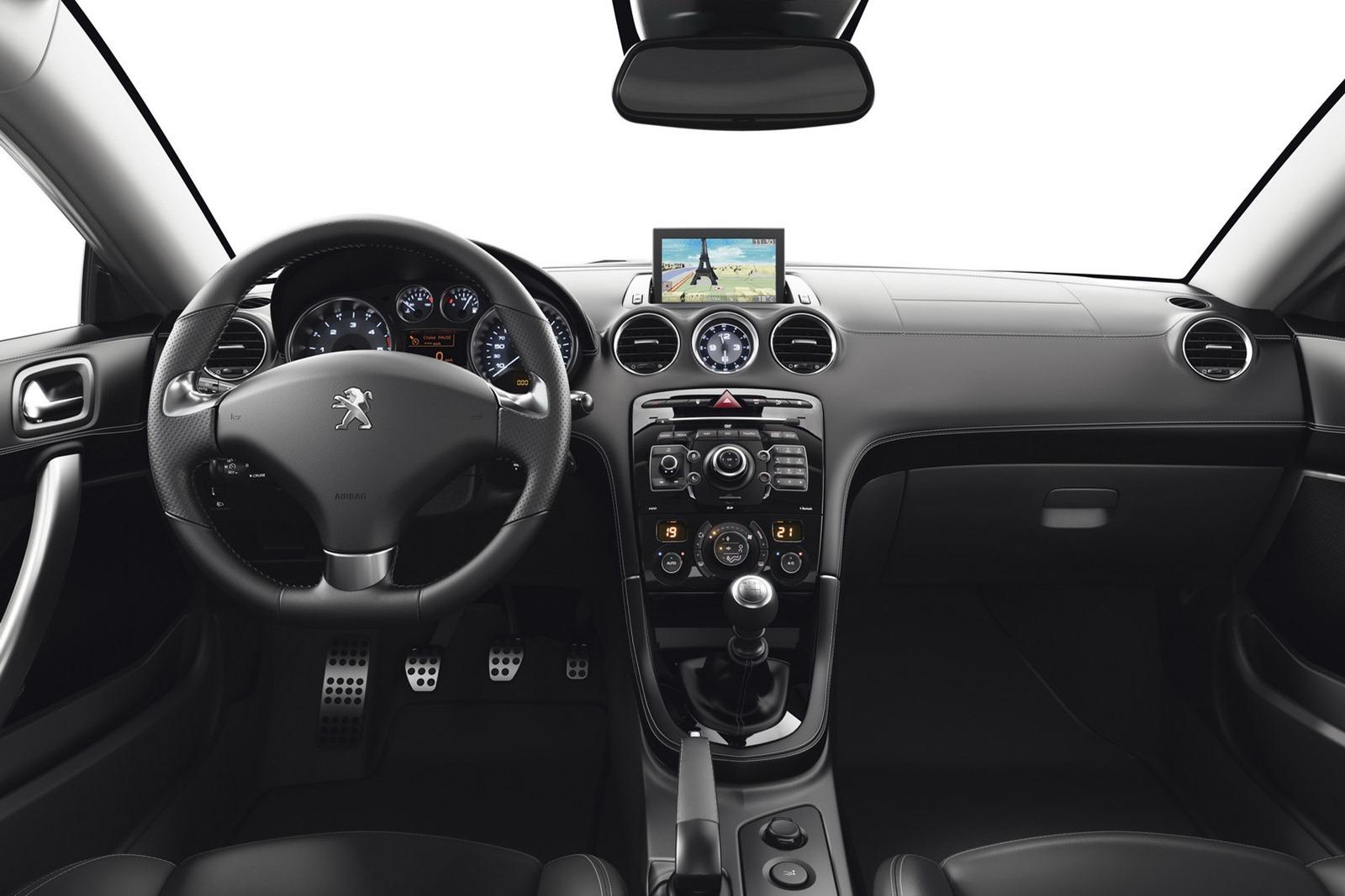 2013-Peugeot-RCZ-28[2].jpg