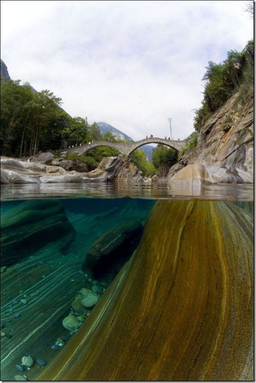 incredibly_clear_waters_of_the_verzasca_river_640_high_10