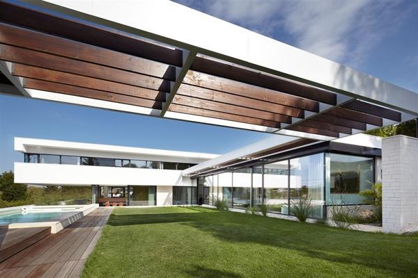 Casa minimalista odberg proyecto a01 arquitectos for Proyectos minimalistas