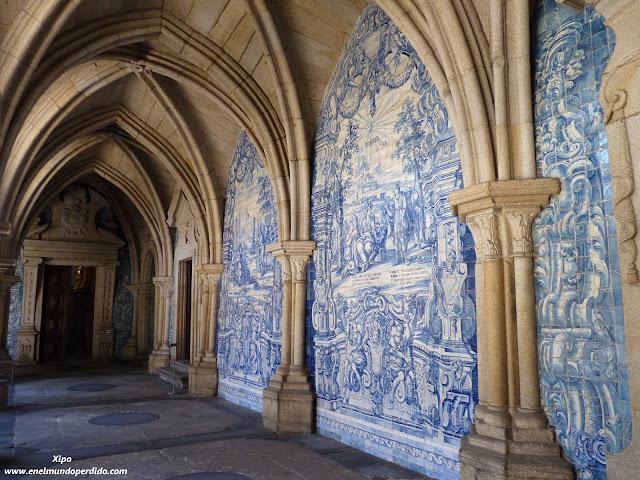 azulejos-claustro-catedra-oporto.JPG