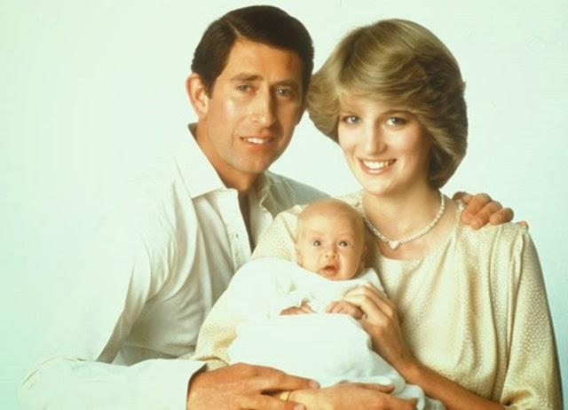 Primer retrato oficial del príncipe Guillermo con sus padres