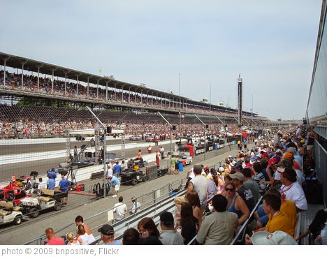 'Indy 500' photo (c) 2009, bnpositive - license: https://creativecommons.org/licenses/by-sa/2.0/
