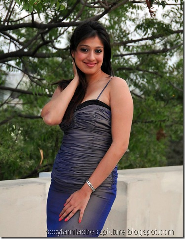 lakshmi_rai_too_hot_stills_collection_10
