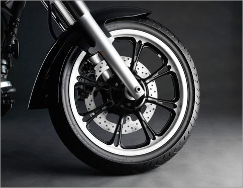 yamaha-xvs-950-a-midnight-star-rueda-delantera