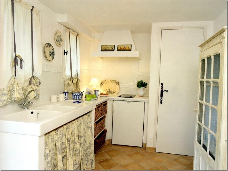 12C Guest House Kitchen