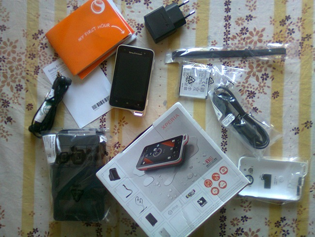 Sony Ericsson Xperia Active [ST17i] cellphone
