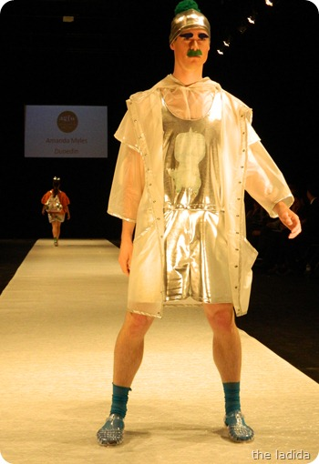 Amanda Myles - AGFW Fashion Show 2012 (7)