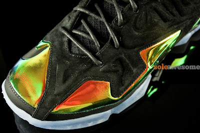 nike lebron 11 nsw sportswear ext kings crown 1 07 Detailed Look at Kings Crown LeBron 11 EXT (677693 001)