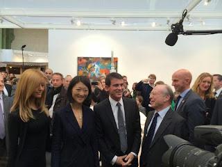 Quand Manuel Valls et Fleur Pellerin posent avec … Zahia