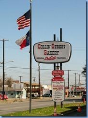 7359 Texas, Corsicana - TX-31 East - Collin Street Bakery