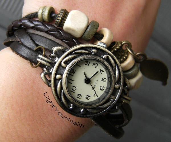 Lady's Fashion Bracelet Watch Girls Retro Watch With A Leaf